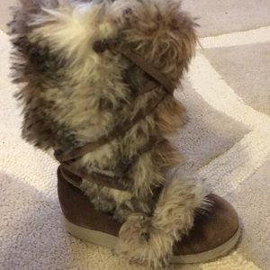 Other - Little girls fur/suede boots